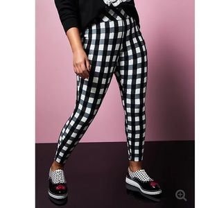 NWT Torrid Betsey Johnson Plaid Pixie Pants